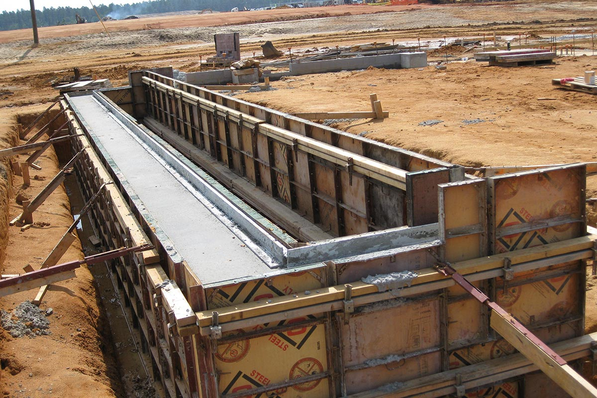 Steel Concrete Forms : Top quality steel ply concrete forming systems from form tech